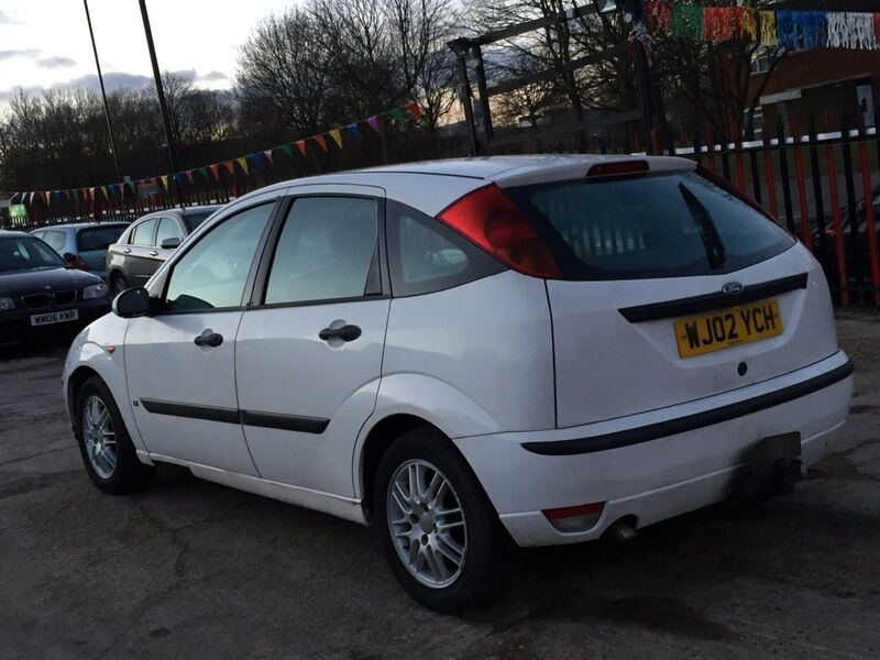 ford focus 1 8 tddi lx white 2002 in hockley west midlands gumtree. Black Bedroom Furniture Sets. Home Design Ideas