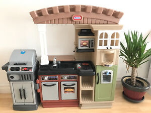 Little tikes toy kitchen with BBQ