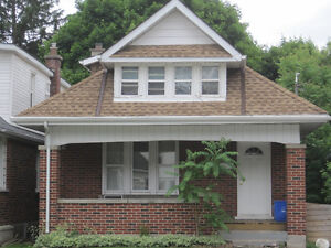 BROUGHDALE HOUSE AVAILABLE MAY 1 2017 - 4BDRM 2 BATH