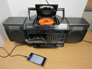Vtg JVC PC-V2C Boom Box Stereo, CD/AUX/Radio/Tape, Made in JAPAN