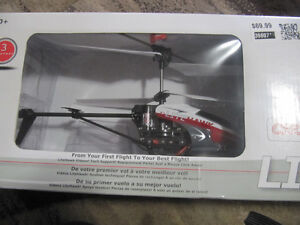 R/C HELICOPTER  FOR SALE Cambridge Kitchener Area image 3