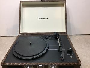 Crosley Cruiser Deluxe Portable Turntable, Tweed