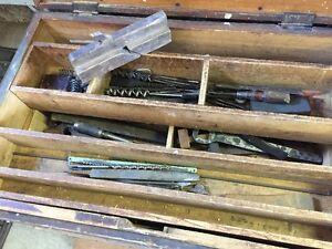 coffre d'outils antique