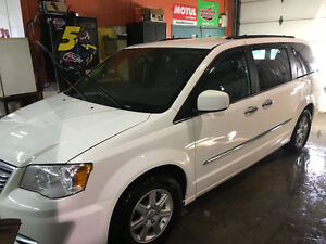 2012 Chrysler Town & Country Fourgonnette Caravan