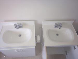 Meubles avec lavabos