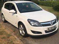 Vauxhall Astra SXI 16V (white) 2009