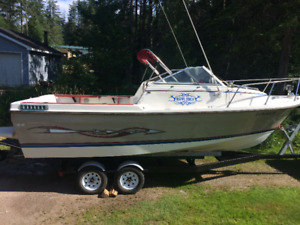 21 Foot Bay Liner trophy boat volvo pentra drive