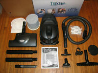 TRISTAR COMPACT MG3 VACUUM LIKE NEW IN FACTORY BOX 5YR WARRANTY