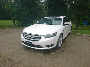 For sale. 2013 Ford Taurus sel awd