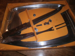 Carving set - new