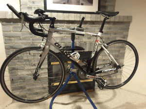Road Bike, GIANT Defy 4, New Condition