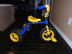 vélo enfant/tricycle