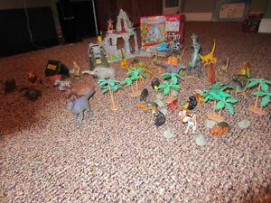 Jungle/Pokemon Toys Play Set