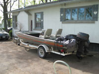 TRACKER  TOURNAMENT TX 17 FT BASS BOAT WITH TRAILER