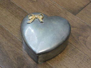 Vintage Heart Shaped Silver Plated Trinket Storage Box.