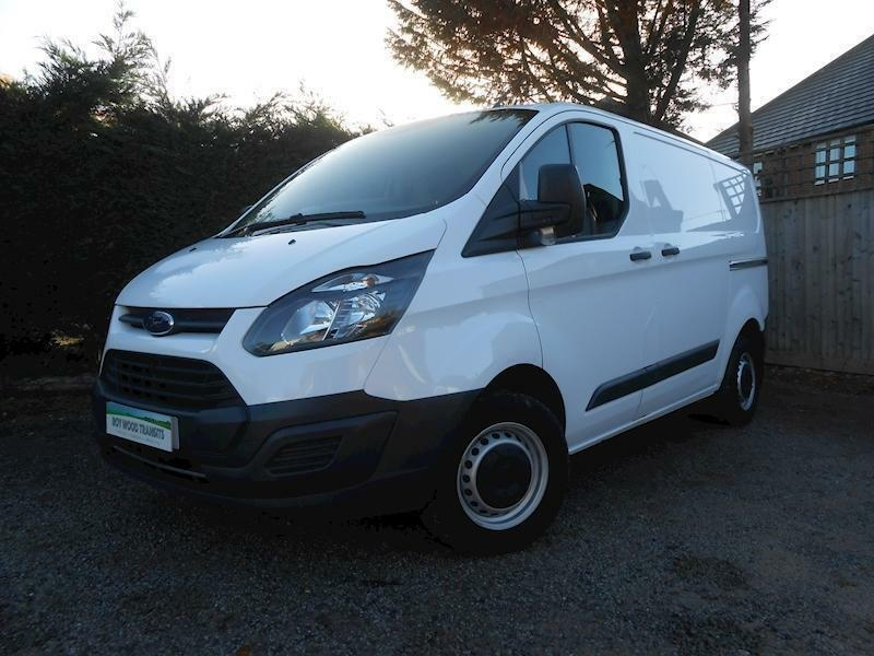 b5e7da6cd7 Ford Transit Custom 290 L1 H1 2.0 105ps Euro 6 Diesel Van - Great Condition