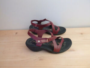 Sandales Sketchers rouges