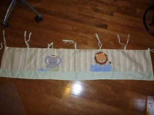 Jungle Theme Baby Room Window Valance Curtain West Island Greater Montréal image 2