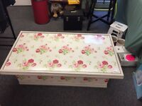 Cath Kidston Shabby Chic coffee table floral fashionable