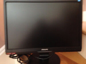 Philips brilliance 190SW monitor (moving sale)