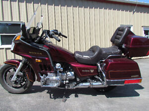 !985 Honda Goldwing in MINT Condition! Only 103000 kms