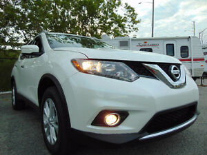 2015 NISSAN ROUGE SV, AWD,ONLY 3,955 KMS. FULLY LOADED. (SOLD).