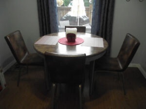 VERY NICE Dining Set FOR SALE