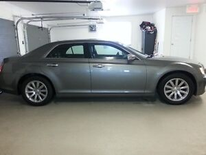 2012 Chrysler 300-Series limited Berline