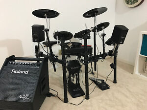 Roland V-Drums Electric Drums, amp and chair