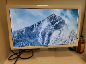 BENQ 1080p 24in LED monitor, pivots and tilts