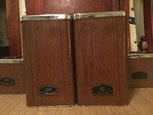 REDUCED! Vintage 4-piece canister set (A031) Regina Regina Area image 3
