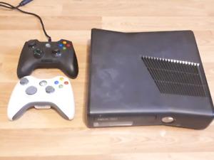250 GB Xbox 360 with Razer Onza controller