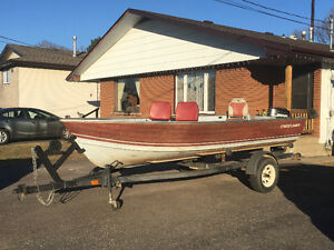 16.5 ft. Crestliner boat, 25 HP Mercury motor & Caulkins trailer