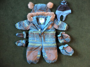 Gagou Tagou baby boy winter suit (9 months) and boots (size 4)