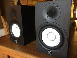 Yamaha HS50M 2x-Studio Monitors For Sale