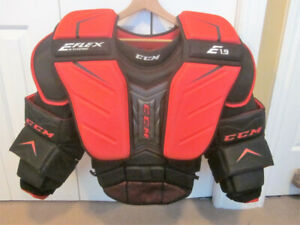CCM EXTREME FLEX 1.9 Senior Small Goalie Chest and Arm Protector