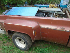 1973-87 Chevrolet GMC dually pick up box with tail gate