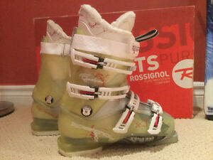 Women's Skiis and Boots