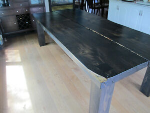 Grande table artisanale en pin massif