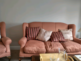 3 piece suite . 3 seater sofa +2armchairs