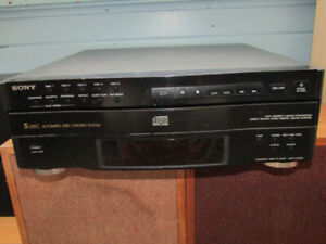 2 EXCELLENT CD PLAYERS / $50 FOR THE PAIR