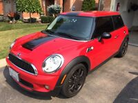 2009 Mini Cooper S with extended warranty!