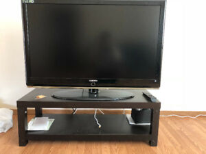 Samsung 1080p LCD TV  with stand