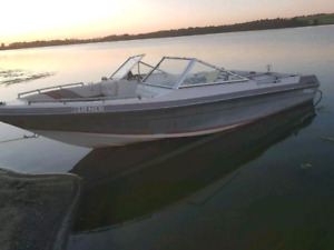 1989 Bluewater inboard. REDUCED