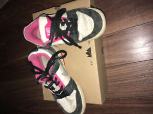 Size 3 girls sneakers