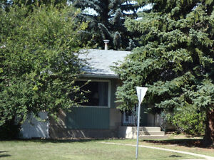 Sherwood Park bungalow with double garage for rent Strathcona County Edmonton Area image 2
