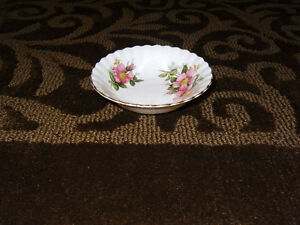 Prairie Rose China - assorted pieces Strathcona County Edmonton Area image 9