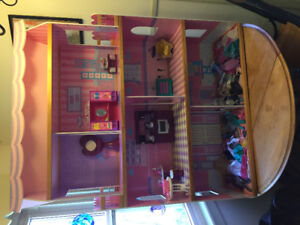Barbie doll house and clothing/accessories