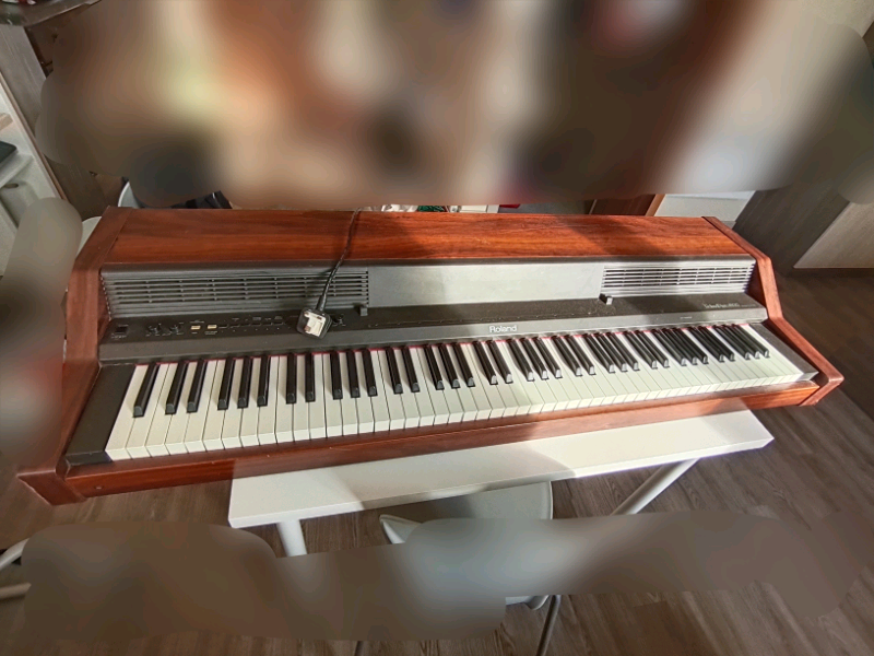 Rent Roland E-09 synth piano in Guisborough (rent for £15