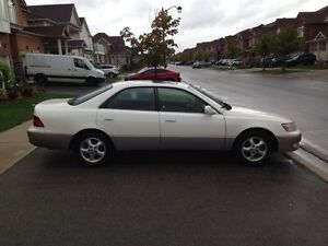 For sale: 1999 Lexus ES300